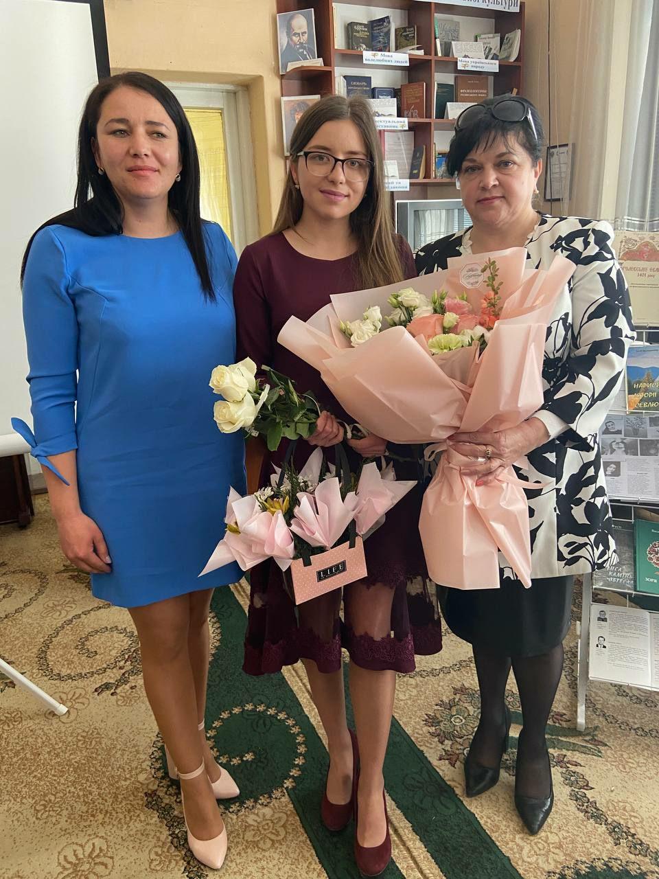 Світлана Палько, Вікторія Яким, Оксана Онучак
